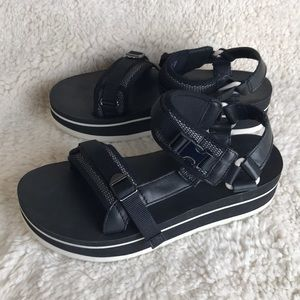 Teva Shoes | Flatform Universal Luxe